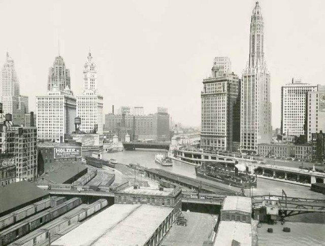 Michigan Avenue Bridge Chicago 1940s